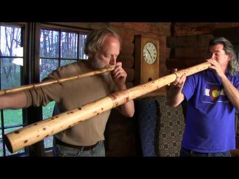 Didgeridoo and overtone flute duet.