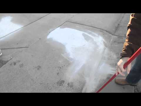 This Oil Stain Remover concrete cleaner - Safely remove oil stains from driveways and concrete