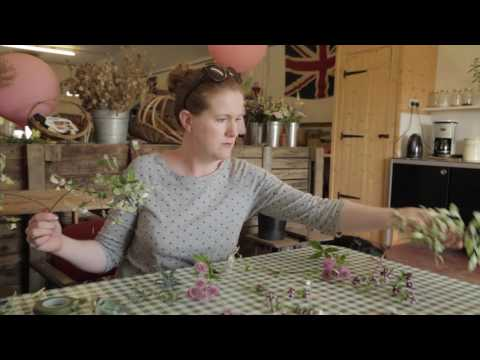 How to make a wedding buttonhole