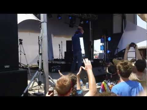 Chicago Farmer smashes laptop and kills dubstep - Summer Camp 2012