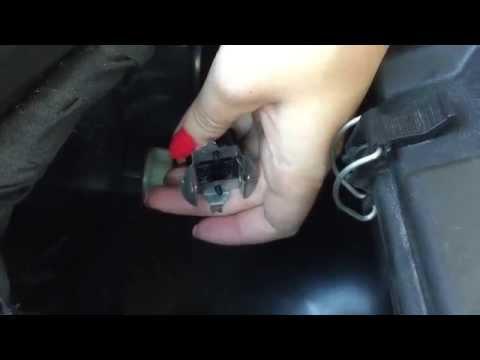 How to Change Mercedes ML 350 Low Beam Headlight Bulb