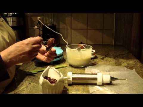 Cake Pops w/ Marshmallow Filling by Diane Lovetobake