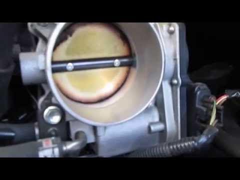 How to Properly Perform a Fuel Injection Service on a 2007 Toyota Avalon
