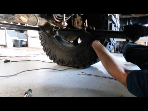 Inspecting control arm bushing / flex joints