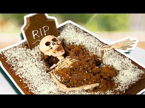 3 Halloween Life Hacks that will Scare your Sister | Easy DIY Crafts, Treats & Pranks
