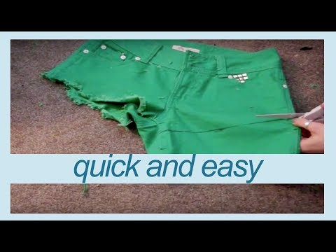 QUICKEST WAY TO FRAY SHORTS | DIY