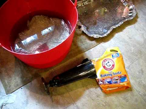 Cleaning silver with baking soda and aluminum foil (and hot water!)