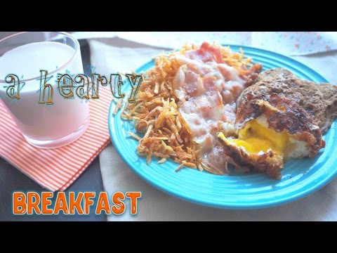 A hearty Breakfast: crispy potatoes fried with bacon and frozen egg!