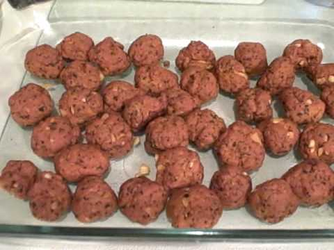 Seitan Cheat Balls and Marinara Sauce