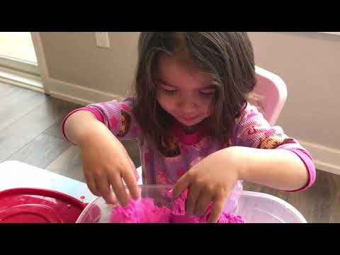 Kinetic Sand - Learn Colors - Pink Play Sand - Fun Kindergarten Toy - Children Love It - Messy Play