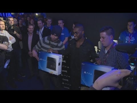 PS4 UK launch: Sony fans on why PlayStation is better than Xbox One