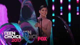 "Vanessa Hudgens Accepts The ""See Her"" Award | TEEN CHOICE"