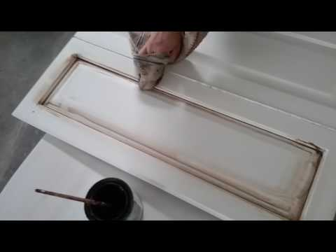 AntiQUing Your Cabinets With AntiQuiNg WaX