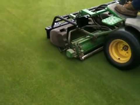 extracut-brush™ John Deere 2500 greens mower testing