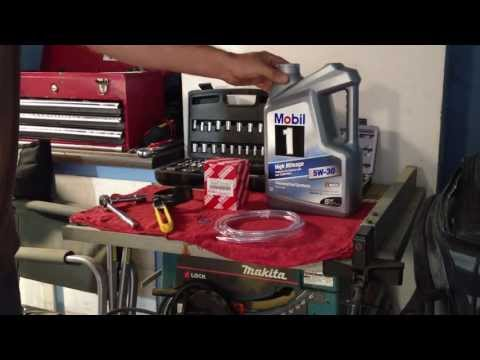 How to do a oil change on a 2006 Toyota Tacoma & reset oil light
