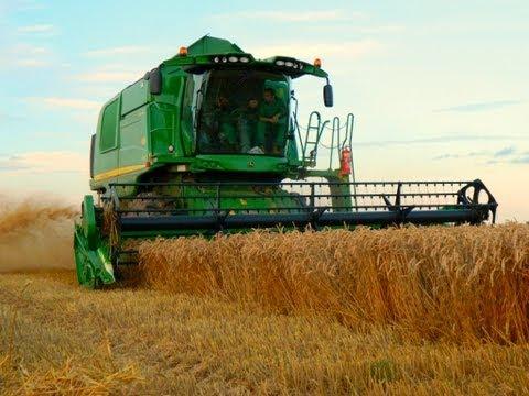 New John Deere T550 Harvesting Wheat 2012