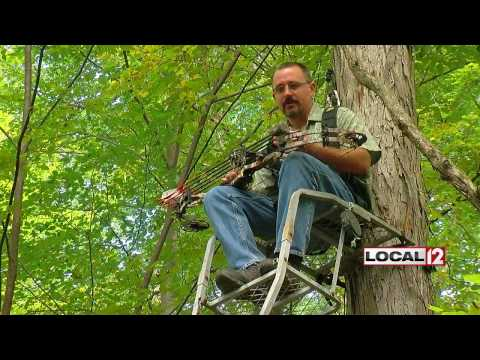 Hunters thinning deer population in public parks