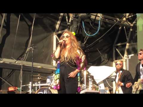 Ella Henderson Brighton Pride 2015 singing Rockets