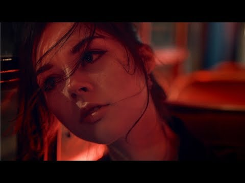 Elise Trouw - Awake (Official Music Video)