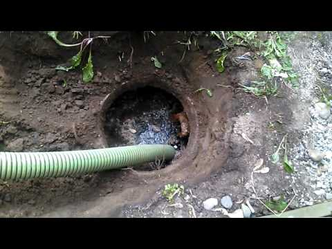 Pumping Out Septic Tank - Clogged Drain Lines