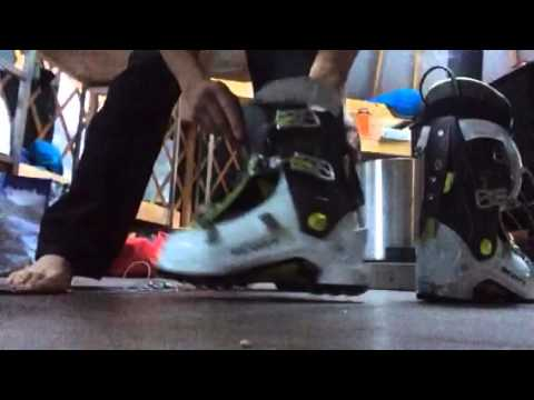 SkiMum Scott Celeste how to put liners back in boots.