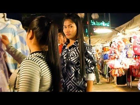 Phnom Penh Cambodia at Night - Riverside Walk 2018