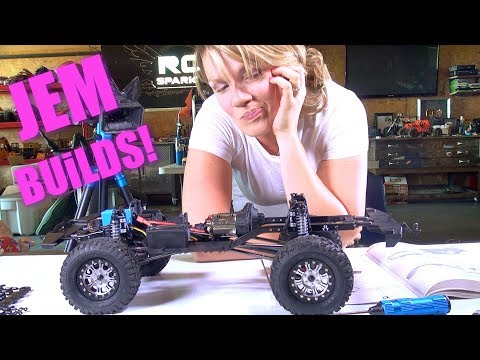 RC ADVENTURES - JEM BUiLDS 💖 Axial SCX10 II 2000 1/10th Scale 4WD Kit PT 4 FREAK OUT ALERT!