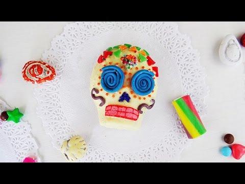 How to Make your Own Calaveritas de Chocolate for Dia de los Muertos | Live Colorful