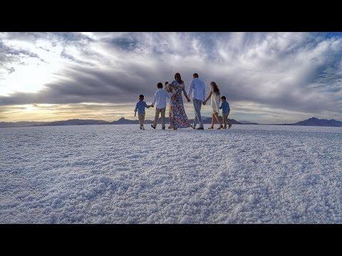 HEAVEN ON EARTH - Breathtaking Family Photo Shoot at the Bonneville Salt Flats