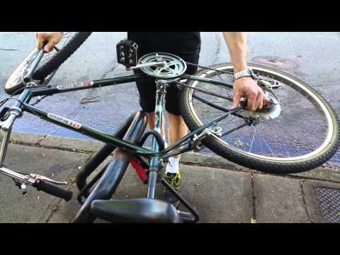 Abus Mini VS Force Attack (spinning the bike)