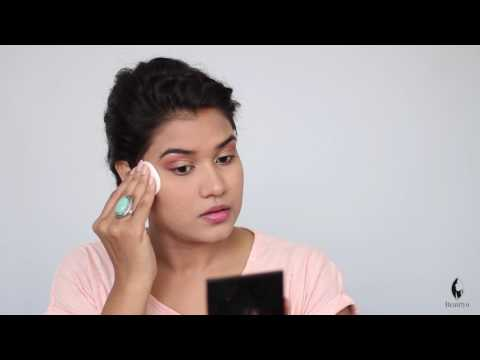 How to Apply Compact Powder on Face (Hindi)