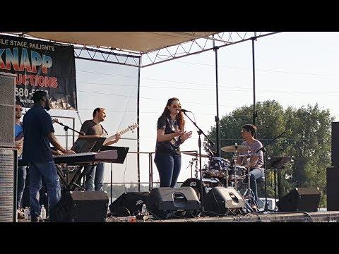 Mandy Harvey: Fun Outdoor Concert