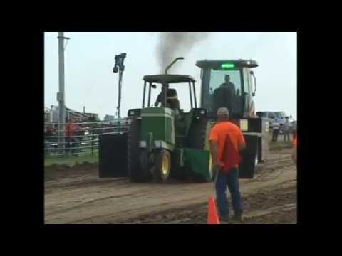 Southwest Wisconsin Pullers--8500 Too Hot To Farm Tractors--Mineral Point, WI 2015