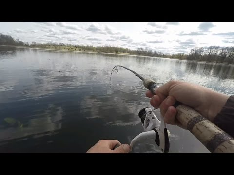Spring Bluegill & Crappie Fishing, Crappies tough to find ~ iFishMN Fishing Video