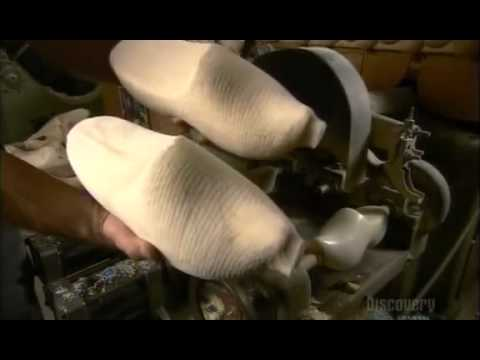 How to make  Wooden Shoes {www downloadshiva com}