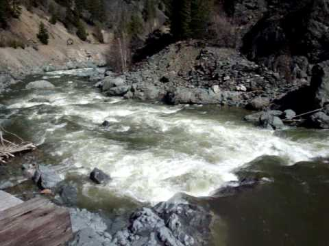 Tulameen River Princeton, BC Canada Spring water level