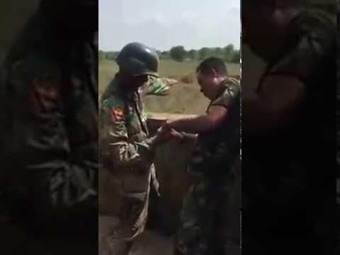 Latihan Lempar Granat di Pusdik Bintara TNI