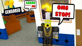 VISITING A HAUNTED ONLINE DATING HOTEL.. (Roblox)
