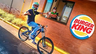 FUI NO DRIVE THRU DO BURGUER KING COM A BIKE DE DOWNHILL