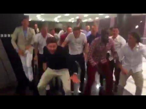Steven Gerrard Leads Liverpool Players In EPIC Yaya / Kolo Toure Chant In Dubai