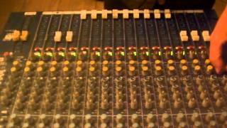 Monkey Jhayam, Gustavo Dread & Laylah Arruda vs Victor Rice: Pobre & Rico [Dub 6]
