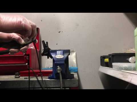 HOW TO SHORTEN SRAM / AVID BRAKE HOSE - quick, easy + no bleeding STEALTH-a-MAJIG