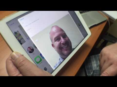 How to email a photo on an iPad