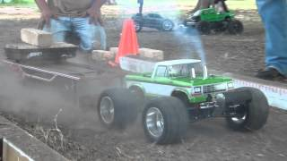 "Finishline RC ""Truck Pulling"" With funny Mini Slash"