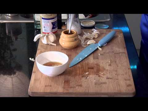How to Make Honey Garlic Sauce : Delectable Dishes