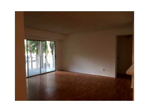 10421 SW 157 PL # 205,Miami,FL 33196 Condo For Sale