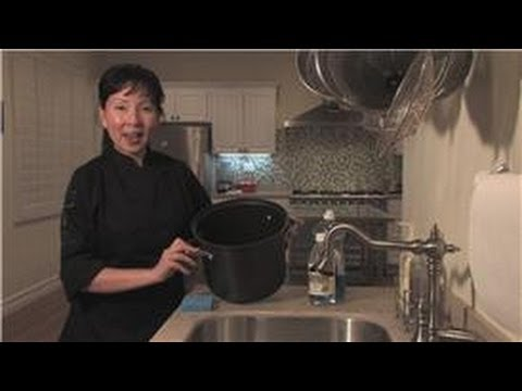 Cookware : How to Clean Calphalon Nonstick Cookware