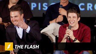The Flash | ARROW VS FLASH Panel | The CW