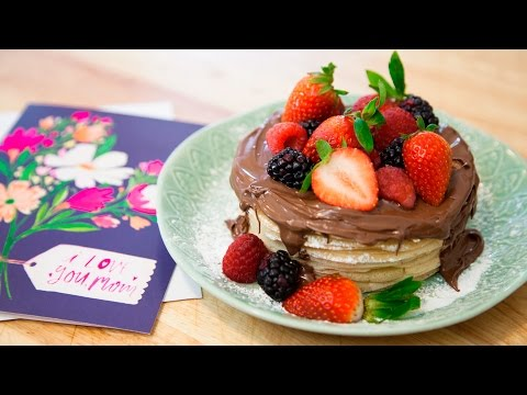 HOW TO MAKE CREPES! (MOTHER'S DAY CREPE CAKE!)