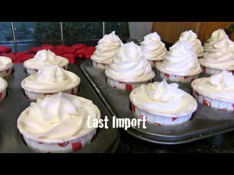Edens Secret Making Two Hearts Cupcake Bath Bombs